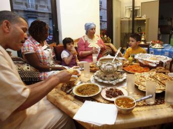 Fin du ramadan: vers une acceptation sociale en France?