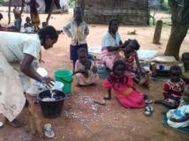 Centrafrique : pour survivre, les réfugiés du camp de Pladama Ouka, près de la ville de Bambari, sont obligés de vendre leurs biens. RFI/Hippolyte Donossio