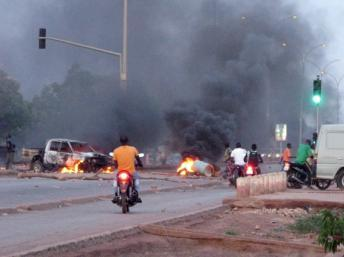 Burkina Faso: le procès de 50 étudiants ajourné, pas de liberté provisoire
