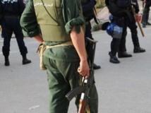 Les forces de sécurité algériennes se disent prêtes à durcir le ton pour mettre fin aux violences intercommunautaires à Bordj. AFP PHOTO/FAYEZ NURELDINE