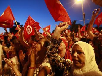 Crise politique en Tunisie: le syndicat UGTT hausse le ton