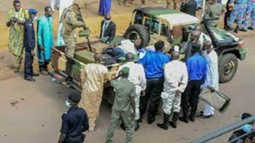 Mali: qui se trouve derrière la tentative d'assassinat du colonel Assimi Goïta?