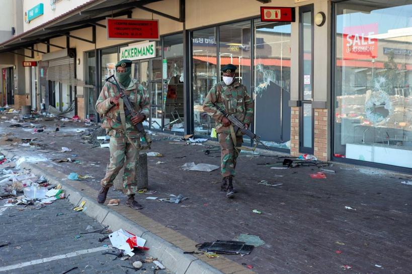 Afrique du Sud: le bilan des émeutes monte à 276 morts, selon le gouvernement