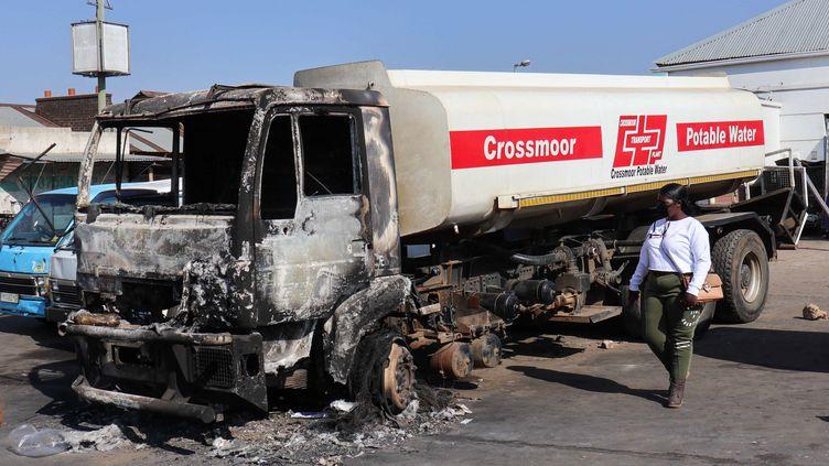 Violences en Afrique du Sud: le gouvernement annonce un dernier bilan de 337 morts