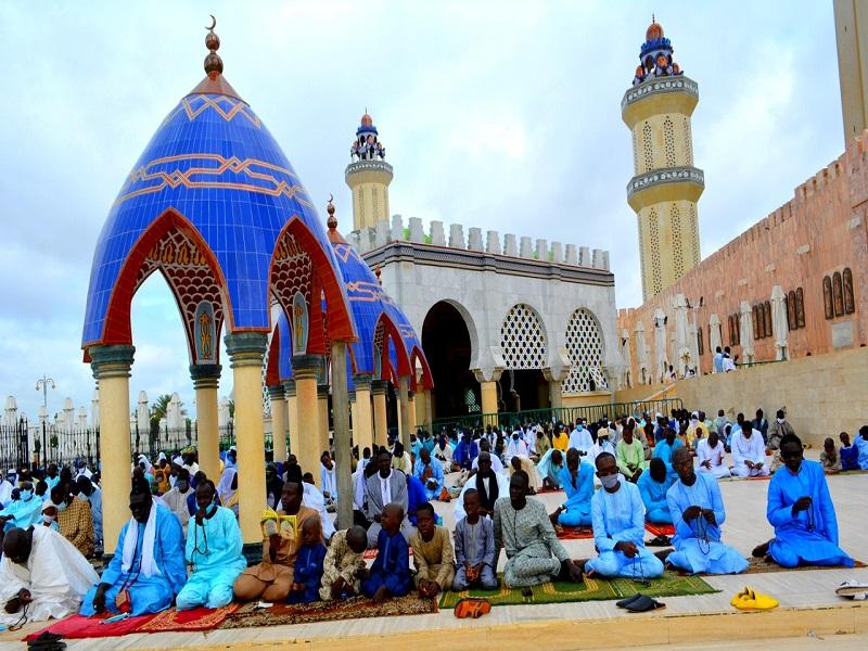 Touba : le port du masque désormais obligatoire dans la Grande Mosquée