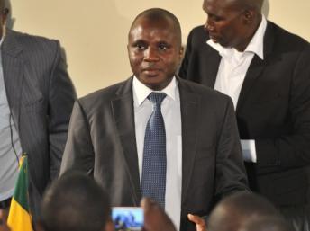 Moussa Sinko Coulibaly, le ministre malien de l'Administration territoriale, a proposé un calendrier pour les prochaines législatives aux partis politiques maliens. AFP PHOTO / ISSOUF SANOGO