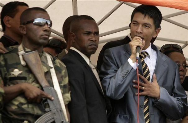 Présidentielle à Madagascar: Andry Rajoelina accepte le verdict de la cour électorale et se retire