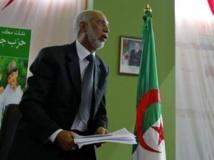 Abdelaziz Belkhadem avait été démis de son poste de secrétaire général du FLN le 31 janvier 2013. REUTERS/Louafi Larbi