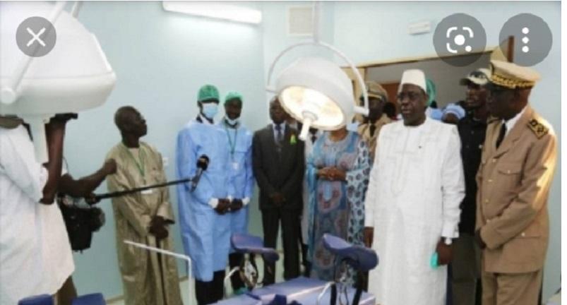 Covid-19 : Macky Sall en visite surprise dans certaines structures de santé à Dakar