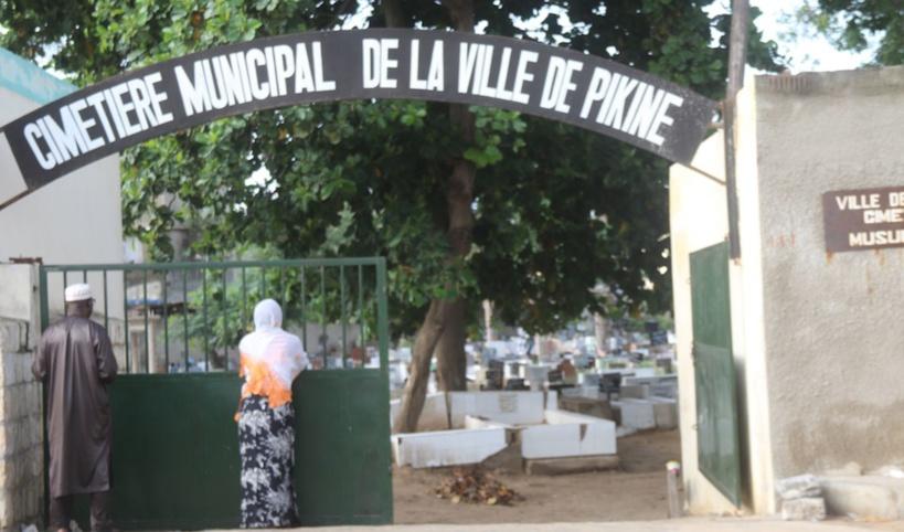 Il n'y a plus de place pour les morts au cimetière de Pikine