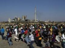 Des salariés de Lonmin en grève sur le site de Marikana, le 14 mai 2013. REUTERS/Siphiwe Sibeko