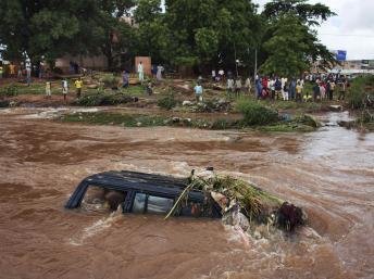 Mali: les Bamakois expriment leur colère après des inondations meurtrières