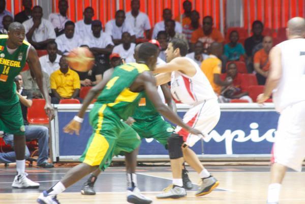 """Afrobasket 2013 Sénégal  63 / 69 Egypte : les """"Lions"""" devront prendre leur mal en patience pour la reconquête du titre"""