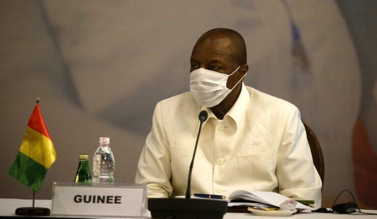 """Guinée: Alpha Condé exige un """"pass sanitaire"""" aux Sénégalais"""