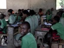 Une classe d'école à Mahambo, sur la côte est de Madagascar. Getty Images/David Gillanders