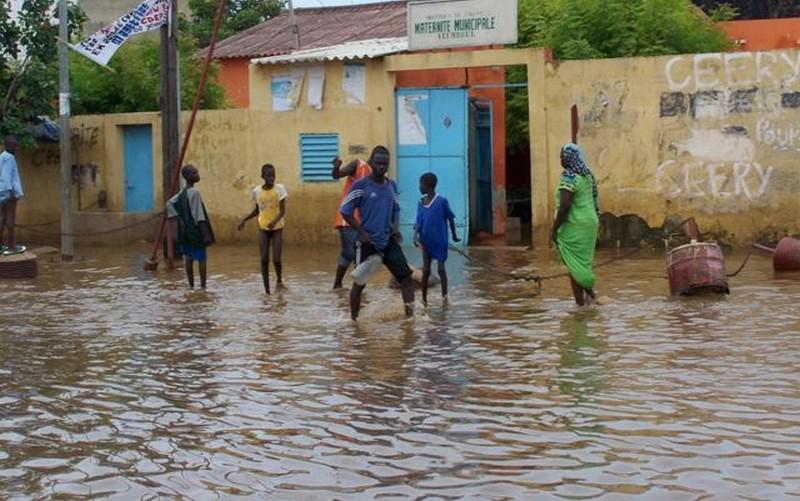 Maisons et rues inondées: désolation à Thiès au lendemain des premières pluies