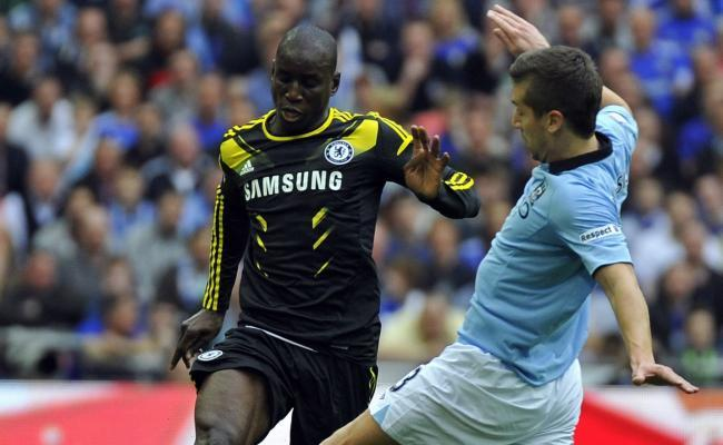 Angleterre Premier league: Arsenal et Chelsea discutent pour Ba