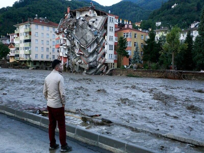 Graves inondations en Turquie: 27 morts (nouveau bilan officiel)
