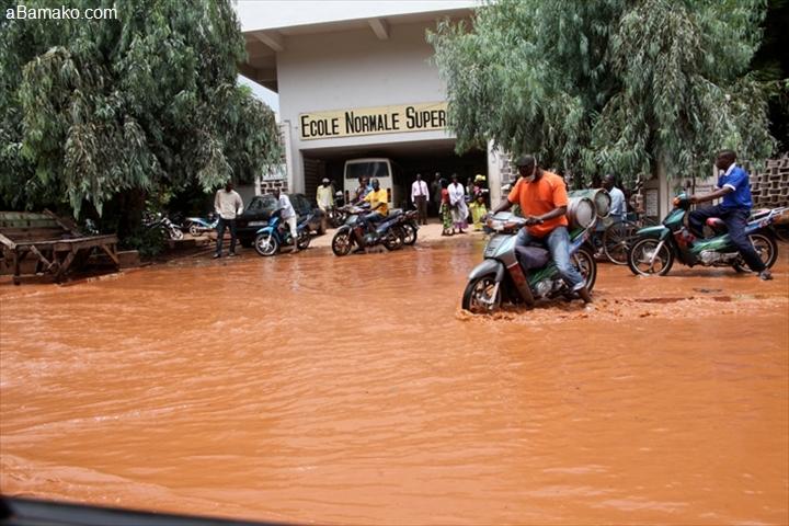 Mali : à Bamako, le difficile quotidien des sinistrés des inondations