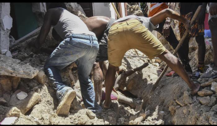 Séisme en Haïti : le bilan grimpe à 304 morts et 1 800 blessés graves