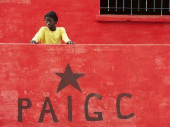 Pour beaucoup de dirigeants du PAIGC, voter une amnistie est synonyme de cautionner le coup d'Etat qui a forcé le président de cette formation politique à l'exil au Portugal. © Joe Penney/Reuters