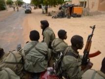 Soldats maliens dans les rues de Tombouctou. AFP/ERIC FEFERBERG