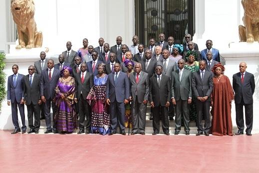 Voici la photo de famille du nouveau gouvernement