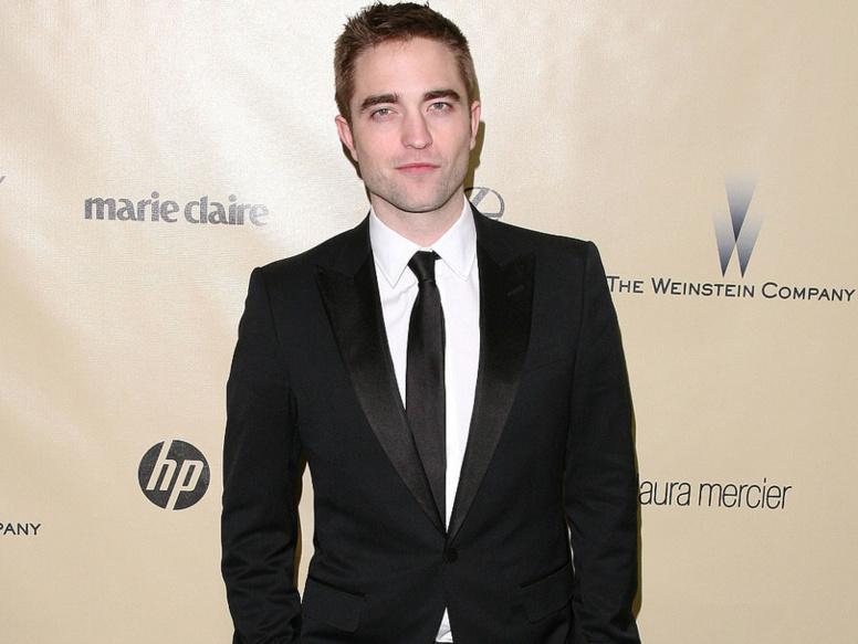"""Robert  Pattinson a t-il  """"sorti"""" Kristen  Stewart de sa vie ? il s'explique!"""