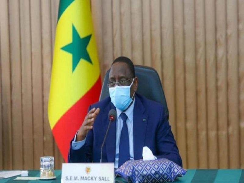 """Macky Sall à ses ministres : """"le temps est au travail, dans l'efficacité, la qualité, l'efficience et la performance"""""""