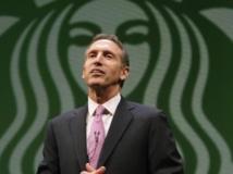 Le président de Starbuck Howard Schultz ne veut pas de clients armés dans ses cafés. Reuters/Robert Sorbo
