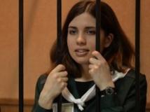 Nadejda Tolokonnikova, en avril 2013, lors d'une comparution devant la cour de Zubova Polyana en Mordovie. AFP/Maksim Blinov
