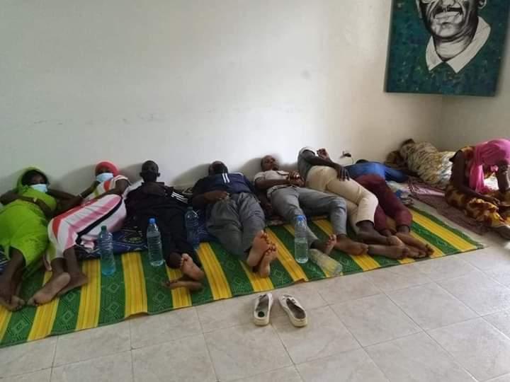 Siège FRAPP: après 51 heures de grève de la faim, le nombre de grévistes passe de 09 à 11