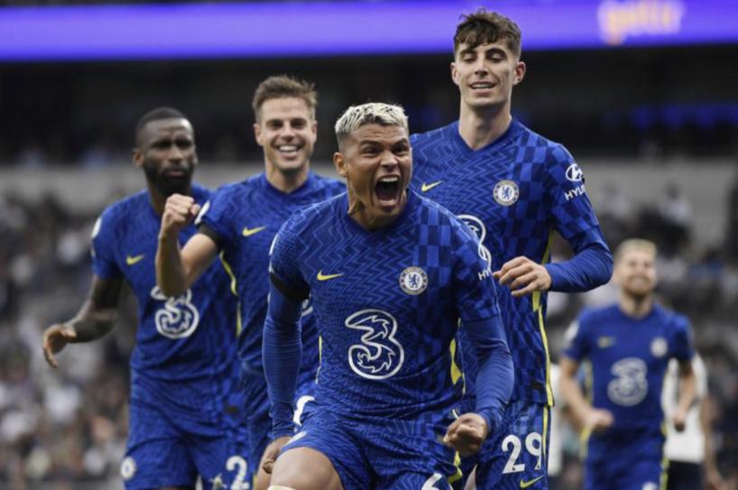 Premier League: Chelsea surclasse Tottenham et rejoint Liverpool en tête