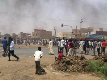 Manifestation contre l'augmentation du prix des carburants. Khartoum, le 25 septembre 2013. REUTERS/Stringer