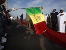 Le président du Mali, IBK, accueille son homologue tchadien à Bamako, le 18 septembre 2013. REUTERS/Thierry Gouegnon
