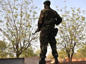 Militaire malien dans le Kati, près de Bamako. AFP PHOTO / ISSOUF SANOGO