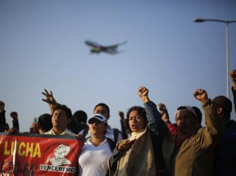 Les grévistes ont bloqué l'accès à l'aéroport international de Mexico, le 1er octobre. REUTERS/Tomas Bravo