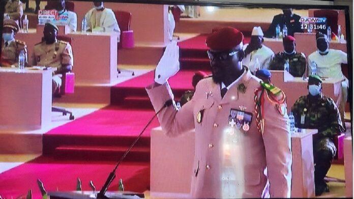 Guinée : le Colonel Mamadi Doumbouya prête serment