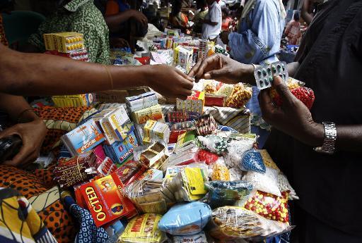 Vente illicite d'aliments périmés et médicaments dans les rues : le président Sall met en place une police