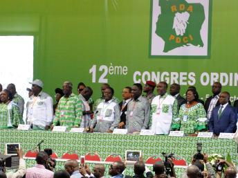 La tribune du 12e congrès ordinaire du PDCI, le 3 octobre 2013 dans le quartier de Treichville. AFP PHOTO / SIA KAMBOU