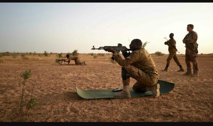 Burkina Faso: au moins 14 soldats tués lors d'une attaque dans le Centre-Nord