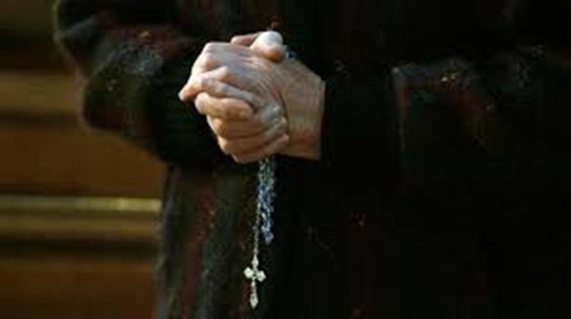 Pédocriminalité dans l'Église: 216 000 victimes estimées en France depuis 1950, selon la commission Sauvé