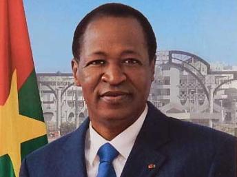 Au Faso, la nouvelle photo officielle du président Compaoré fait débat