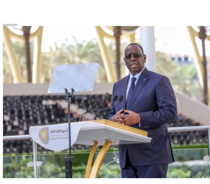 """Depuis Dubaï, Macky demande aux Sénégalais d'être """"plus exigeants en matière de propreté"""""""
