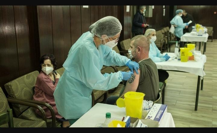 COVID-19 : La pandémie continue de reculer dans le monde sauf en Europe