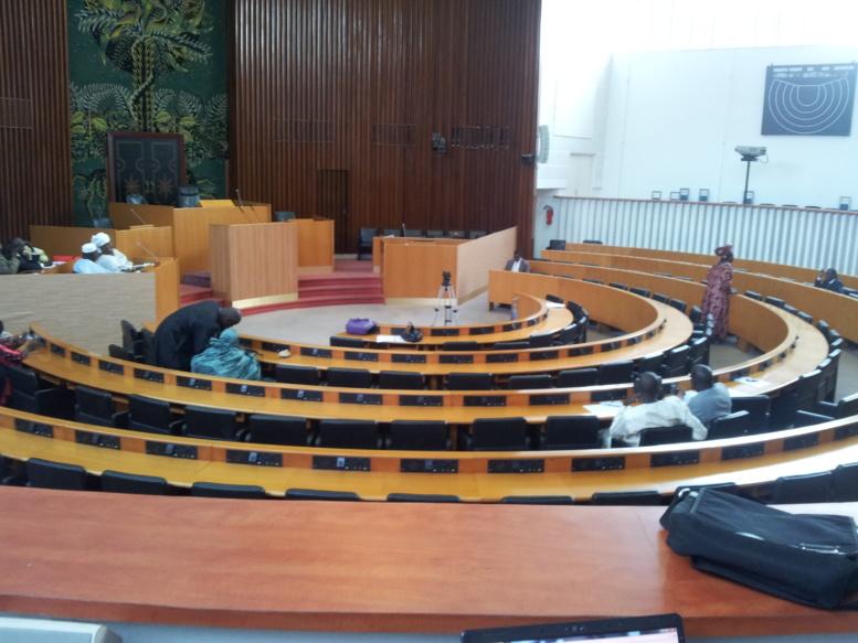 Groupe BBY : Moustapha Diakhaté suspend le député Cheikh Diop Dionne