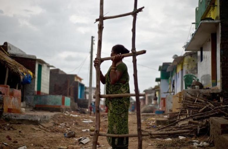 Inde: après le cyclone, sombre avenir pour ceux qui ont tout perdu