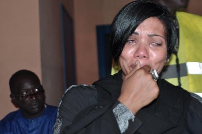 Arrivée de la dépouille de Bruno Metsu: La mélancolie s'empare de l'aéroport de Dakar (IMAGES)