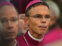 Franz-Peter Tebartz-van Elst lors d'un service religieux à la cathédrale de Fulda, en Allemagne centrale, le 23 octobre 2013. AFP PHOTO / DPA / ARNE DEDERT / GERMANY OUT