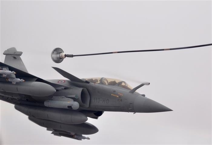 """Urgent au Mali: les forces françaises, maliennes et onusiennes lancent une opération de """"grande ampleur"""" contre les djihadistes"""